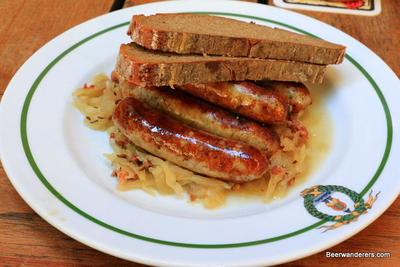 bratwurst and kraut with bread