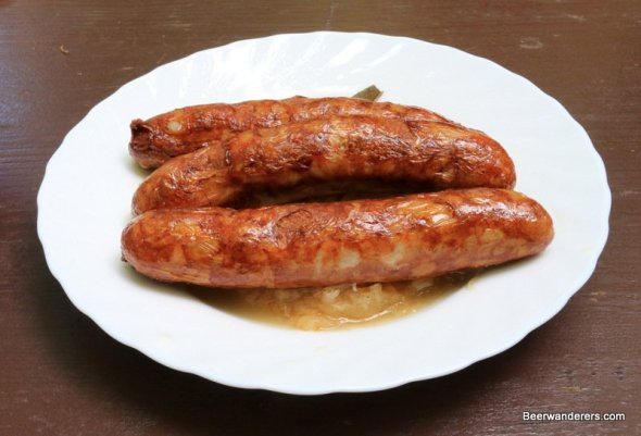 bratwurst on plate with kraut
