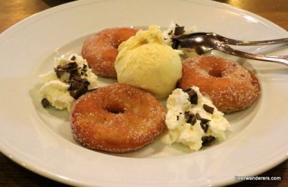fried apple slices with ice cream