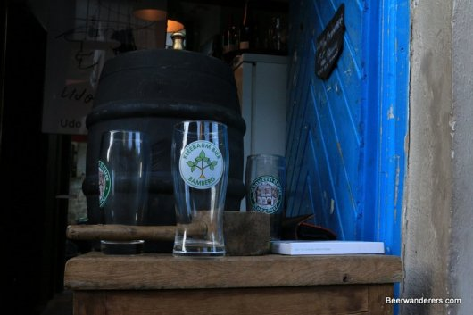 beer barrel with log glass