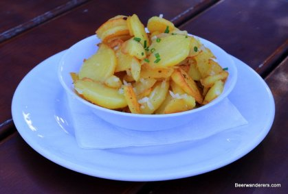 fried potatoes in bowl