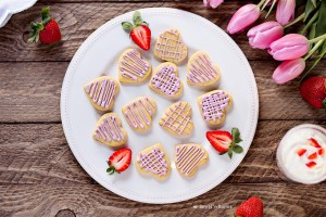 Einkorn Vanilla Cookies with Naturally Colored Icing