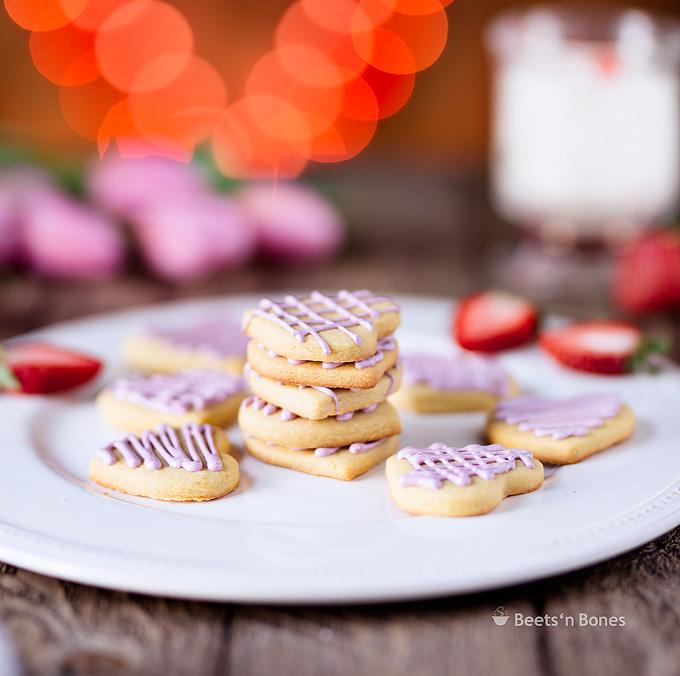 einkorn vanilla cookies with strawberry icing