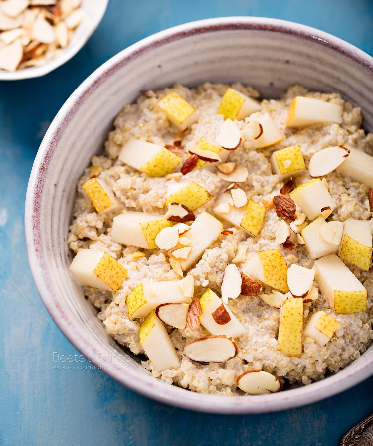 cardamom quinoa porridge with pear and almond