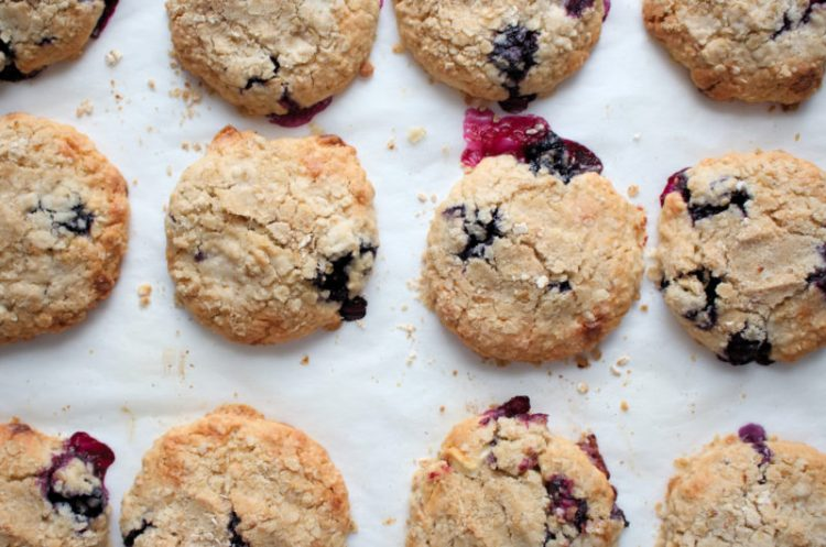WHITE CHOCOLATE & BLUEBERRY CRUMBLE COOKIES