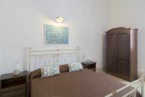 Apartment B Bedroom Palazzo San Giovanni BeeYond Travel