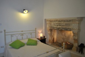 Deluxe Room w Fireplace 2 Palazzo San Giovanni BeeYond Travel