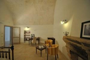 Junior Suite Bedroom Palazzo San Giovanni BeeYond Travel