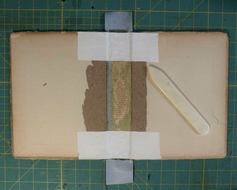 BZ14423 BoPeep Vintage Book Handheld Purse interior repair