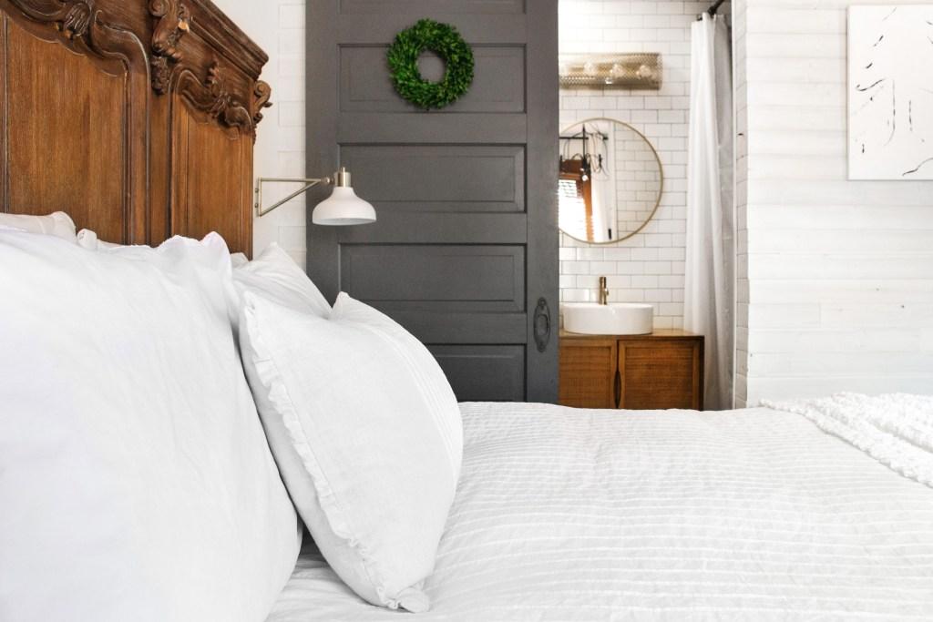 012-master-bed-bath