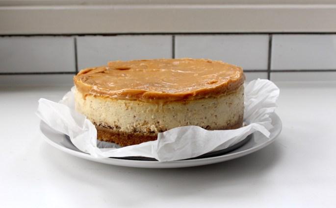 pretzel toffee cheesecake
