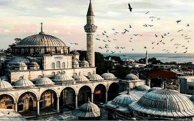 İSTANBUL'A ÇIKIN, SOLUKLANIN…