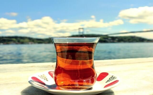 Boğaz'da- çay-keyfi
