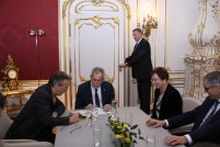 Bundespräsident mit seiner Frau und Klaus Widl