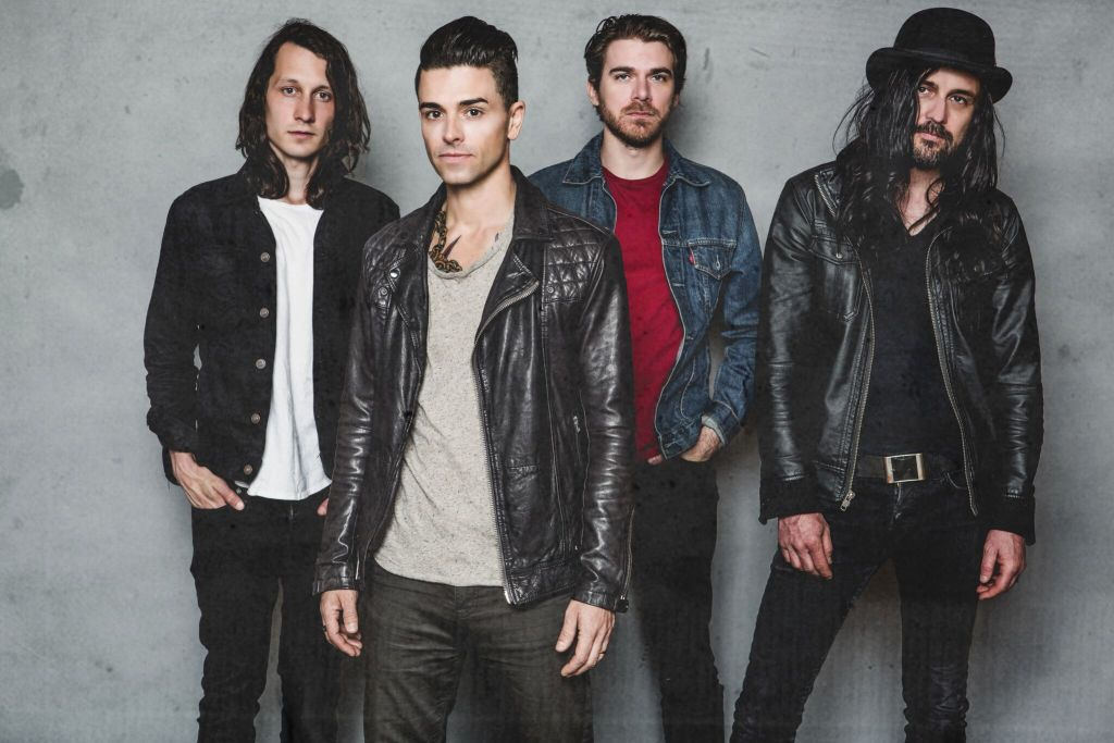 Chris Carrabba Reflects On Dashboard Confessional And His