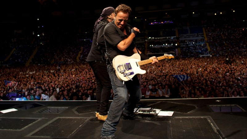 """""""Hello, Ohio!"""" The Time Bruce Springsteen Forgot Which State He Was Playing In"""