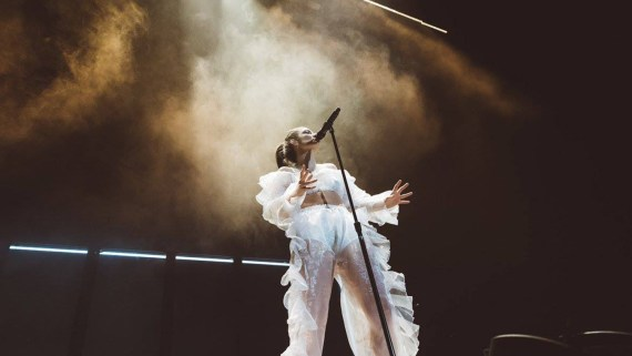 Lorde Puts on a Dance Party in Sacramento