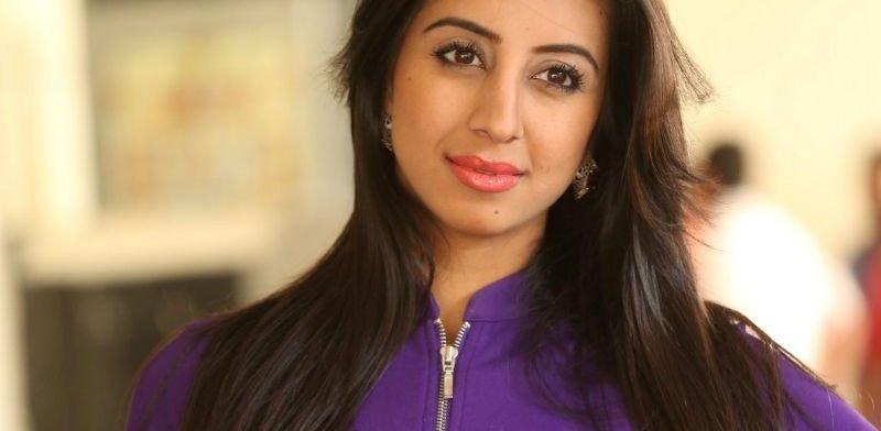 Sanjana Galrani Leaked MMS | Trending in Social Media 1 Behind History