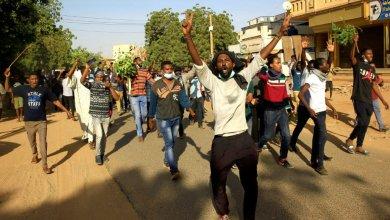 صورة الشعب السوداني على طريق النصر رغم المناورات