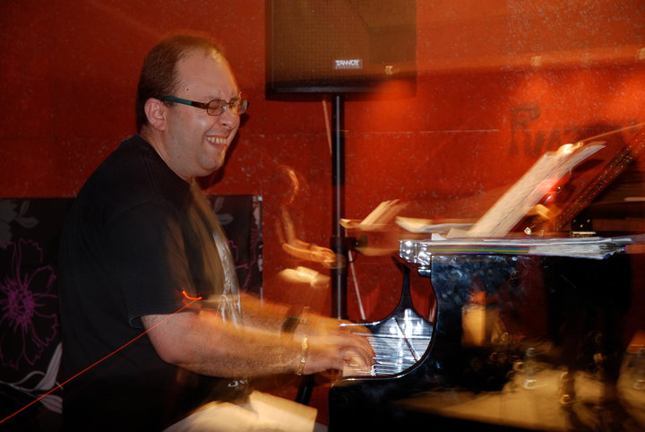 Arthur Satyan Acoustic Trio Live At Razz'zz