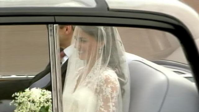 Alexander McQueen Designs Royal Bride's Dress