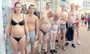 naked in public 300x180 La Wlooo!!!...Sun Of A Beach