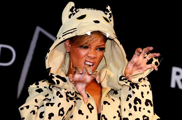 Rihanna Beats Lady Gaga on Facebook