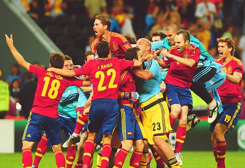 Spain defeat Portugal to the Euro 2012 final
