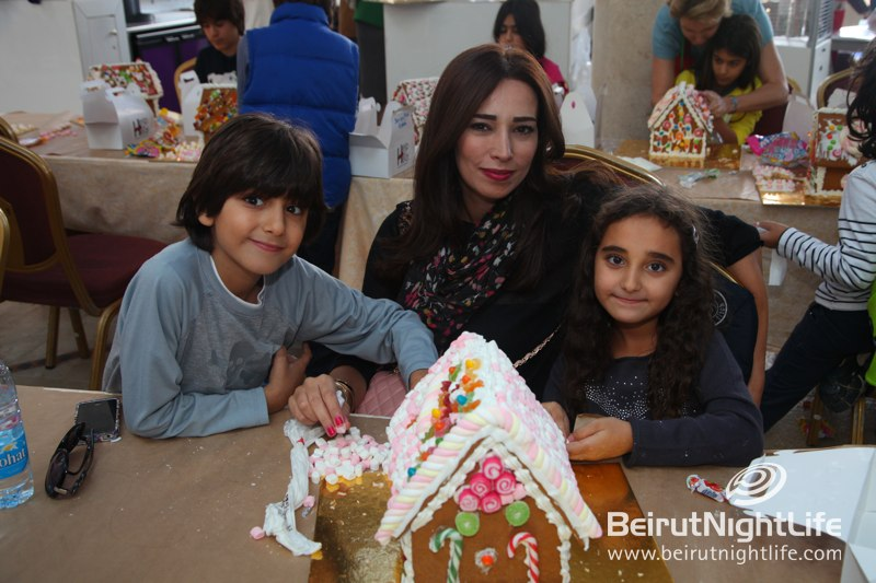 Decorate Your Gingerbread House at Amethyste