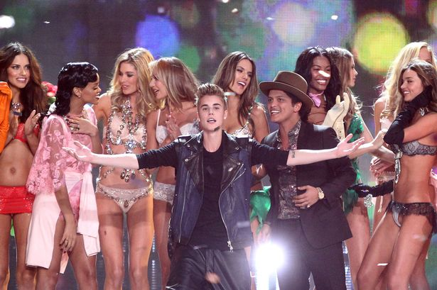 Adriana Lima, Justin Bieber, Bruno Mars, Rihanna, Miranda Kerr, Alessandra Ambrosio-1424687