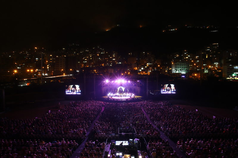 Michel Sardou Sings His Greatest Hits in Jounieh
