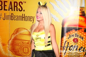 Jim Beam Honey Sweetens Uruguay Street