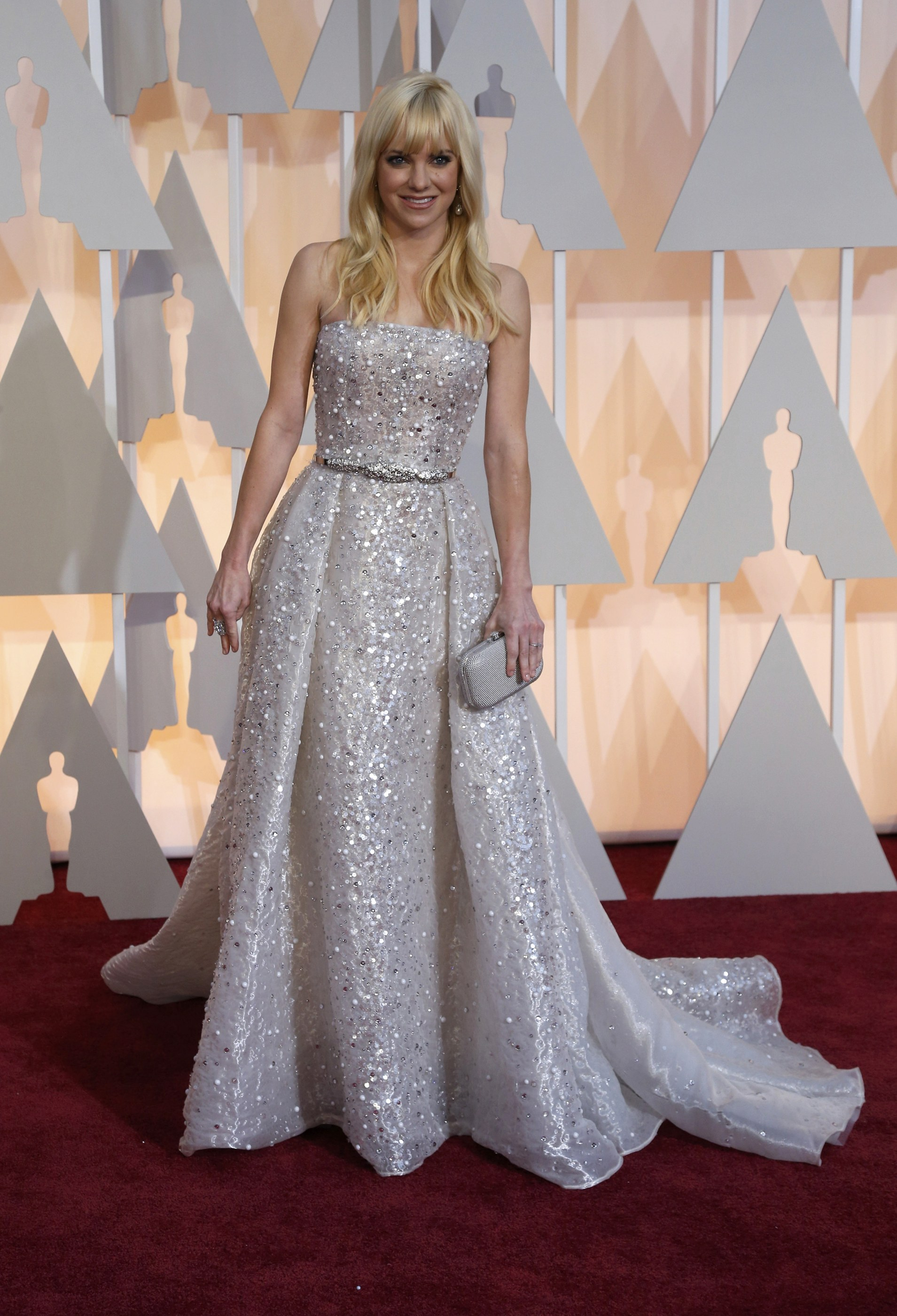Actress Anna Faris arrives at the 87th Academy Awards in Hollywood