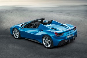 The Ferrari 488 Spider: performance and effortless driving for maximum drop-top fun