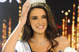 Perla Al Helou crowned Miss Lebanon 2017