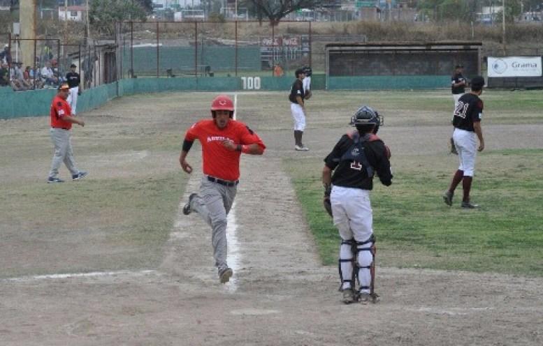 Entrevista a Pablo Tesouro a un mes del inicio de la Liga Argentina de Béisbol