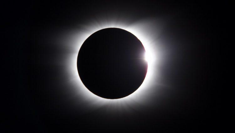 Los eclipses lunares sirven para capturar energía