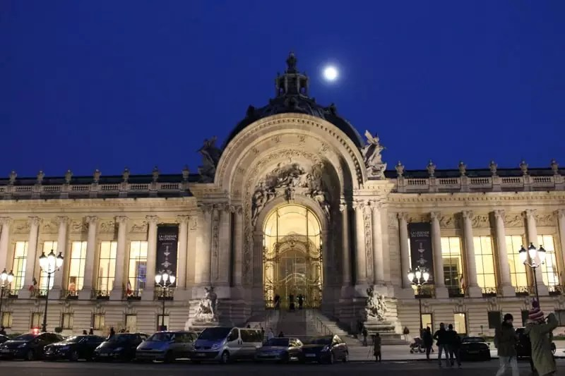 grand palais, paris arrondissements map, best places to visit in paris