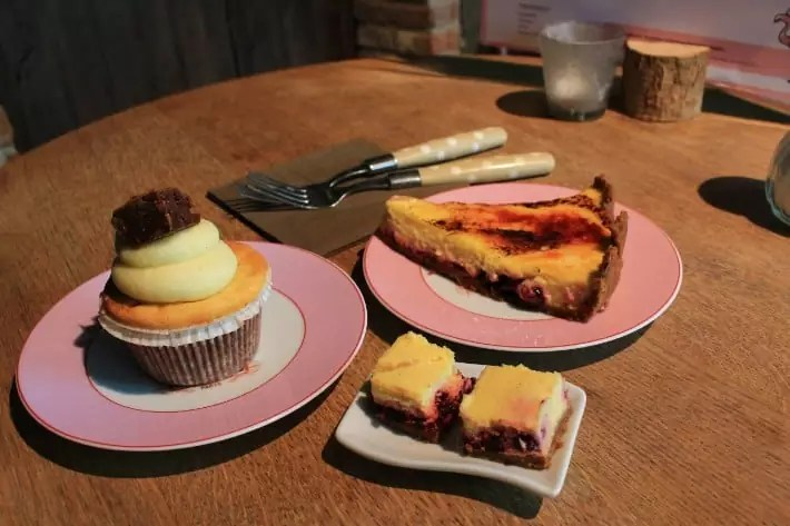 julie's house pastry dessert, places to eat in ghent, belgium