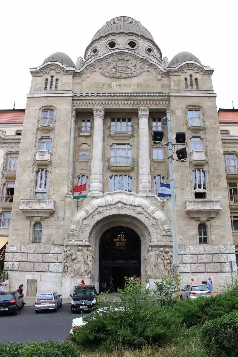Gellert bath, baths in budapest, things to do in budapest, what to do in budapest, what to eat in budapest, hungary