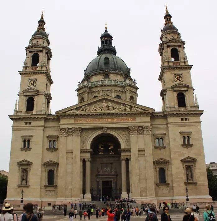 St Stephen's Basilica, baths in budapest, things to do in budapest, what to do in budapest, what to eat in budapest, hungary
