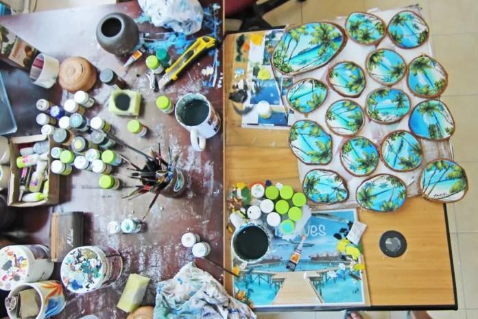 Maafushi hand painted souvenirs