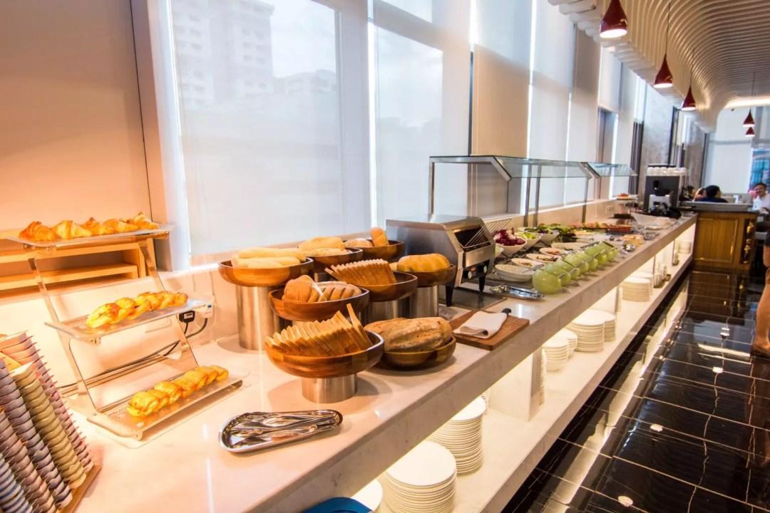 Mercure Singapore Bugis dinner buffet pastries