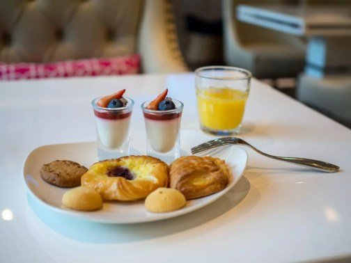 Mercure-Singapore-Bugis-privilege-lounge-food