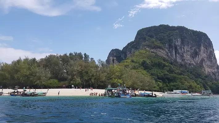Poda Island, island hopping tour, things to do in krabi, what to do in krabi, where to stay in krabi