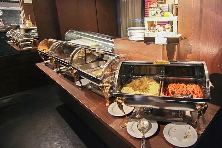 Hotel-Clover-Jalan-Sultan-Breakfast-buffet