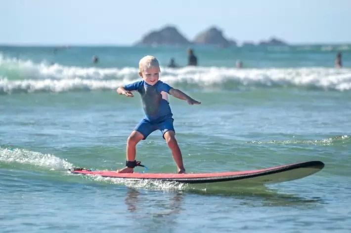surfing australia bondi beach byron bay sydney road trip