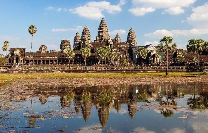 angkor wat temple, reflection, Vietnam-Cambodia Tour itinerary