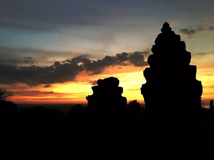 temple southeast asia, sunset, Vietnam-Cambodia Tour itinerary