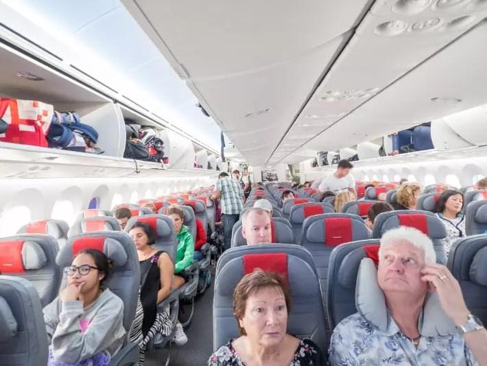 economy cabin, norwegian air london singapore flight review
